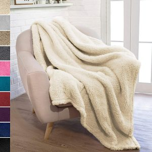 PAVILIA Sherpa Throw Blanket (latte), best for bedroom/couch/outdoors