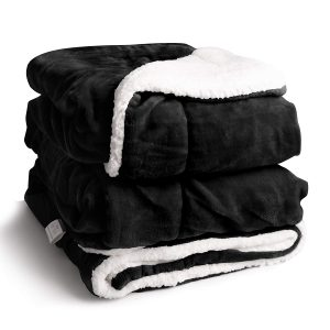 EDOW Sherpa Throw Blanket, best for a 3.5 by 6 feet bed/couch/outdoors